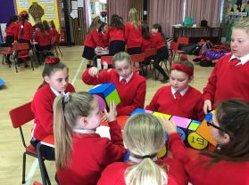 Primary 6 and 7 pupils participate in Izak9 quiz for Maths Week Ireland